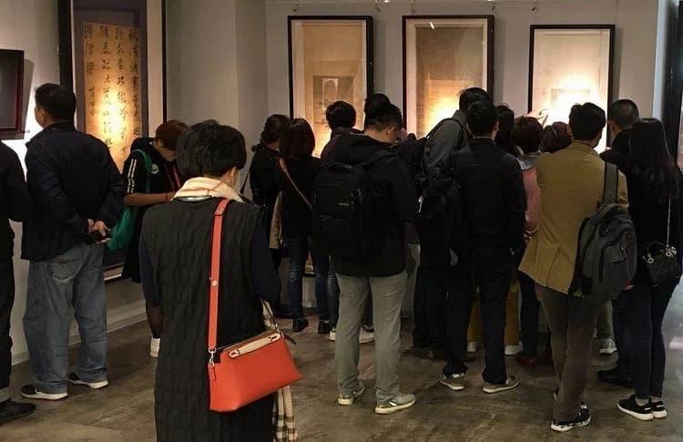 中国美術オークション下見会の様子03