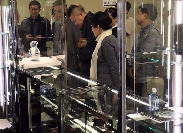 中国美術オークション下見会の様子07