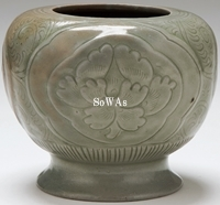越窯開光牡丹紋罐