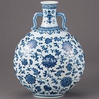 青花纏枝花卉紋扁瓶