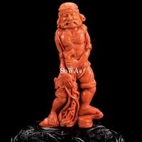 珊瑚彫武士像